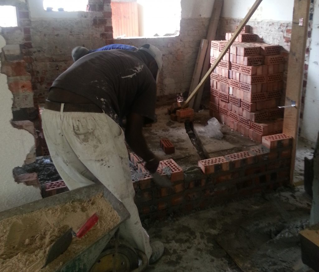 Handyman Cape Town doing bricklaying